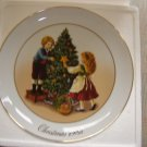 "AVON 1982 CHRISTMAS PLATE ""KEEPING THE CHRISTMAS TRADITION""- IN ORIGINAL BOX!"
