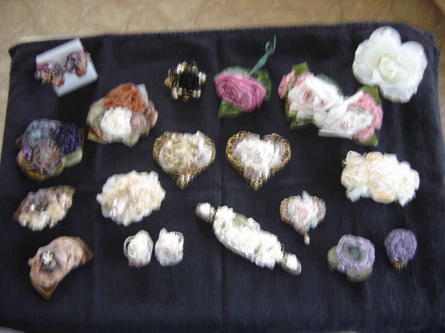 LOT of 20 pieces of FABRIC FLOWER ACCESSORIES by ANN LOGAN, MARGOT and ORIGINAL MO!