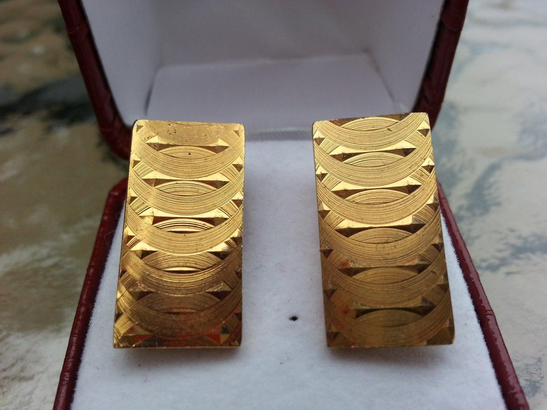 Vintage Gold Rectangular Cufflinks!