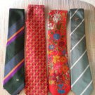GUCCI NECK TIES - LOT OF 4 VINTAGE NECK TIES - AUTHENTIC - EXCELLENT CONDITION!