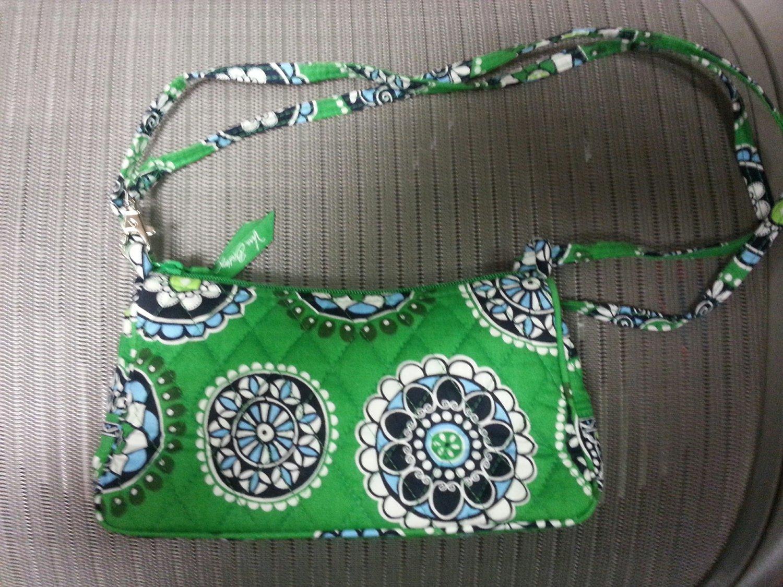 e558806aed Vera Bradley Amy style Cupcake Green small Crossbody Shoulder Purse -  RETIRED!