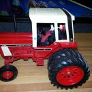 ERTL International 1586 Metal Tractor Toy 1/16 Scale Diecast Farm Vehicle IH 1970s!