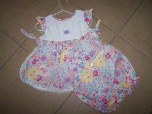two pc. boutique floral outfit EUC      $3