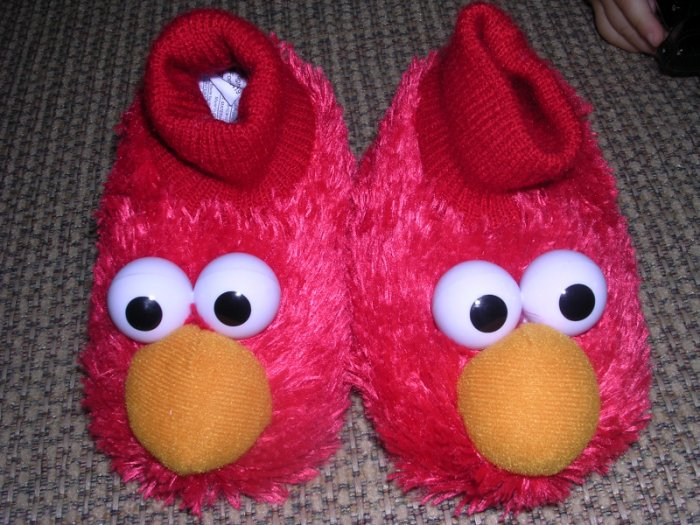Elmo slippers NWOT sz 4