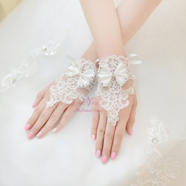 Beautiful Floral Bridal Lace Short Gloves BG0006