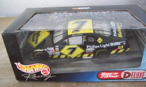1999 Hot Wheels NASCAR Michael Waltrip #7 Nations Rent
