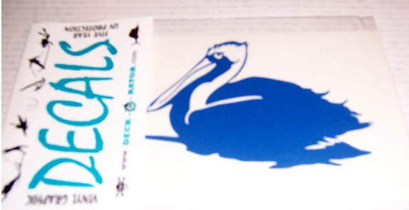Single Left Facing Pelican Vinyl Decal Blue