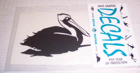Single Right Facing Pelican Vinyl Decal Black