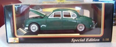 Maisto 1959 Jaguar Mark II Green Diecast 1:18 NEW