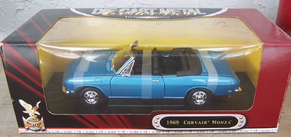 Road Signature 1969 Blue Corvair Monza 1:18 NEW