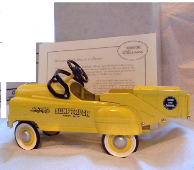 KCC 1953 Yellow Murray Dump Truck NEW #9012 - 7069 of 14,500
