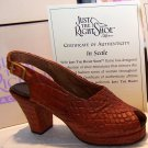 Just the Right Shoe 25110 In Scale Shoe Mint NEW