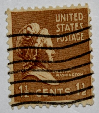 U.S. Cat. # 805 - 1938 M Washington 1-1/2c brown