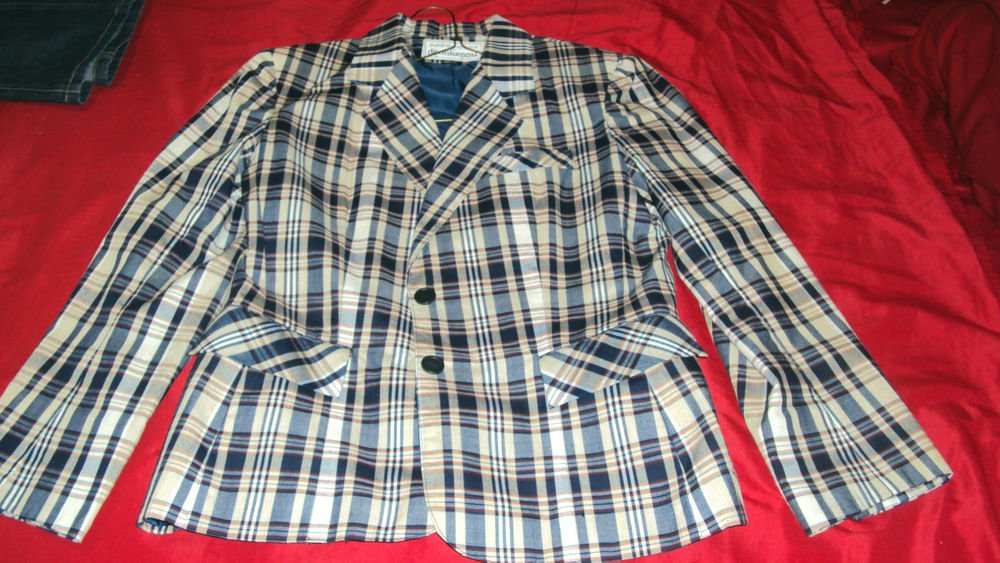 DONNKENNY JACKET BLAZER SIZE 13 VERY NICE CONDITION SHOULDER PADS SHIP SAME DAY