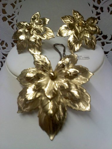 Sarah Coventry - Golden Maple - vintage brooch pin and clip earring set