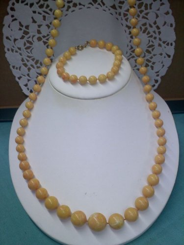 Sarah Coventry faux marble vintage plastic bead necklace and bracelet goldtone