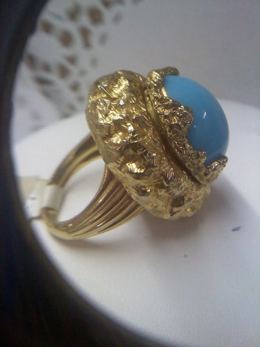 Jomaz cocktail ring in goldtone size 7 to 7 1/2