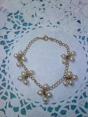 Pearl Dangle link chain bracelet in goldtone Vintage Avon