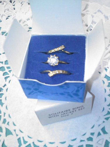 "AVON ""Solitaire Ring with Jacket Set"" size 7 goldtone CZ New in box"