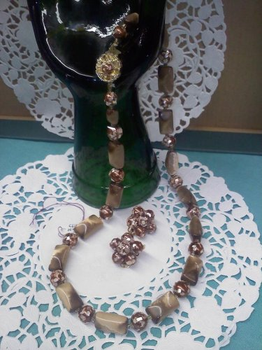 1940's or 50s candy and Brown SUGAR BEAD Necklace with matching clip earrings - Vintage Japan