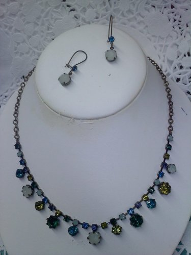 Avon faux rhinestone and faux moonstone necklace and wire earrings set