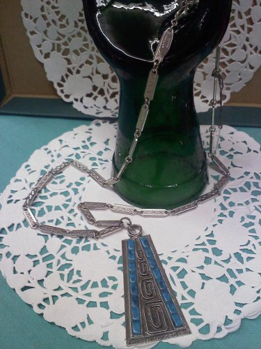Whiting & Davis 1930's or 1970's faux turquoise vintage necklace