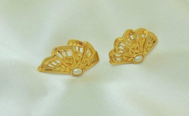 Avon Moonlight Lace faux pearl on goldtone fan pierced earrings
