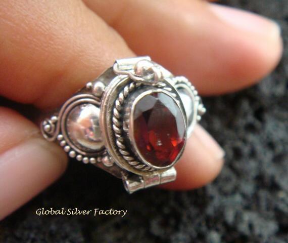 Silver & Garnet Locket Ring LR-540-KT