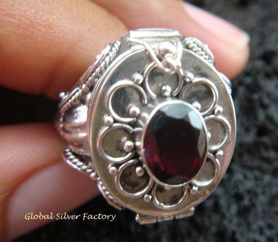 Silver & Garnet Locket Ring LR-544-KT