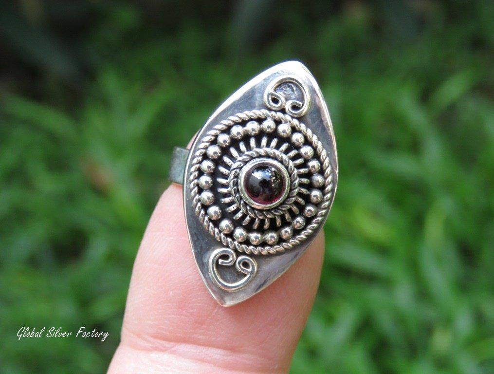 Garnet and Sterling Silver Gemstone Ring RI-690
