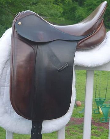 THOROUGHBRED SADDLERY DRESSAGE SADDLE BROWN