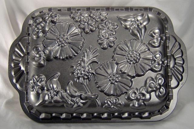 Nordic Ware Wild Flowers Cake Pan
