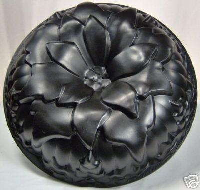 Nordic Ware Silver Poinsettia Cake Pan