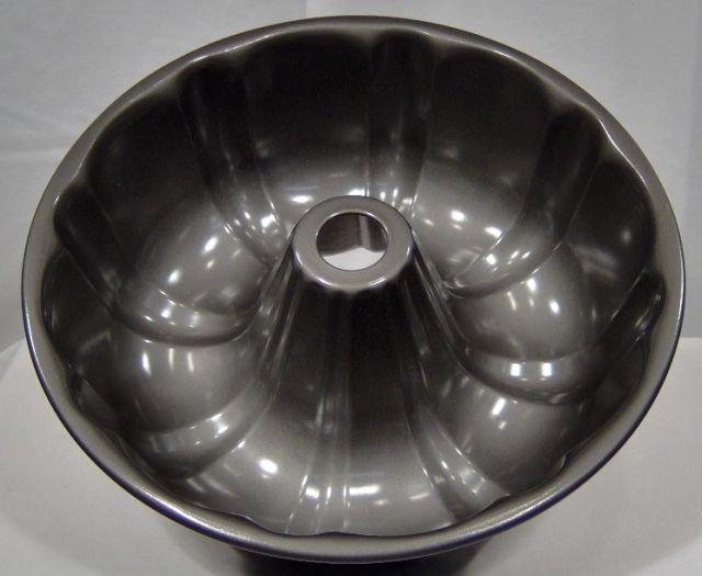 Wear-Ever Crownburst Bundt Cake Pan