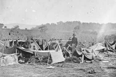 New 5x7 Civil War Photo: Wounded  Confederate Troops at Keedysville, Maryland