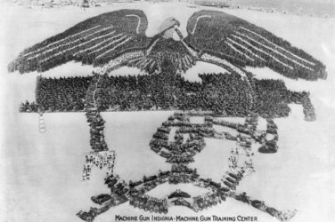New 5x7 Photo: 22,500 Men & Gun Formation of Machine Gun Insignia