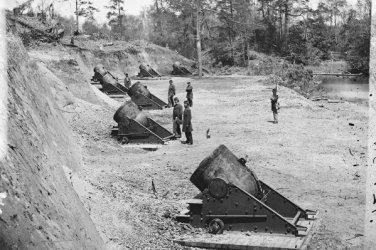 New 5x7 Civil War Photo: 13-inch Seacoast Mortars in Battery #4, Yorktown