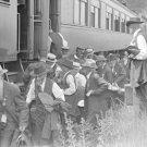 New 5x7 Civil War Photo: Veterans Boarding Trains after 50th Gettysburg Reunion