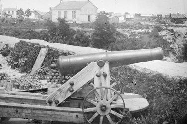 New 5x7 Civil War Photo: Confederate Naval Gun in Front of Nelson Church