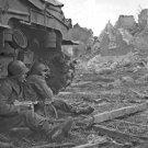 New 5x7 World War II Photo: American Infantrymen Seek Shelter Behind Tank