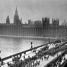 New 5x7 World War I Photo: American Troops Cross Westminster Bridge in London
