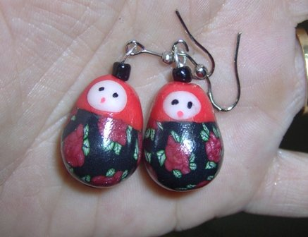 Matrioshkas earrings- red /black