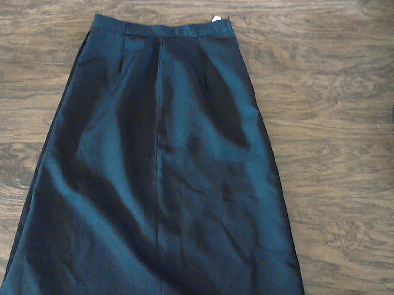 Pan-Her girl's black waistband skirt size 5/6