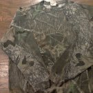 Man's green camo long sleeve shirt size 42-44