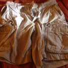 Gap khakis loose fit cargo shorts 33w