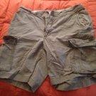 Gap loose fit cargo shorts 33w