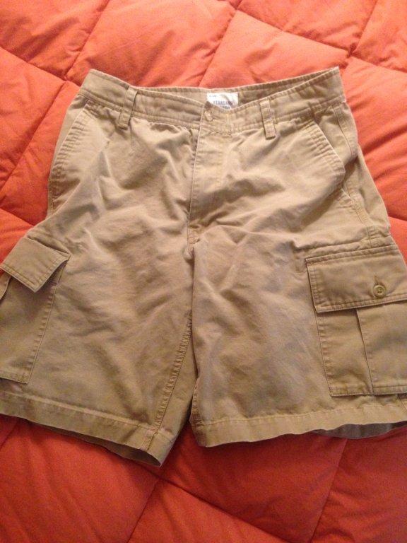 Gap standard cargo shorts 32w