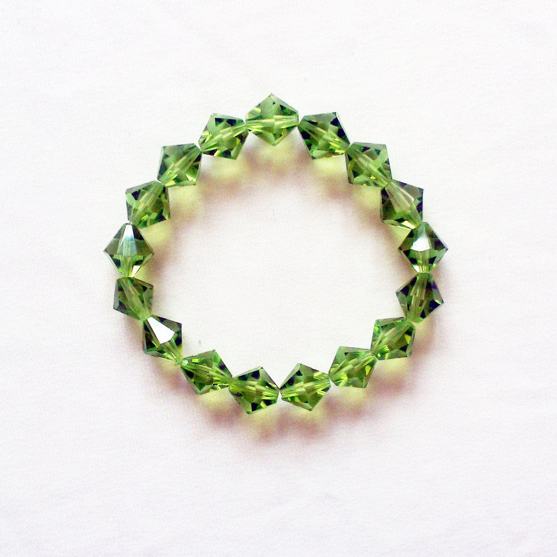 Green Glass Bicone Shaped Stretchy Bracelet
