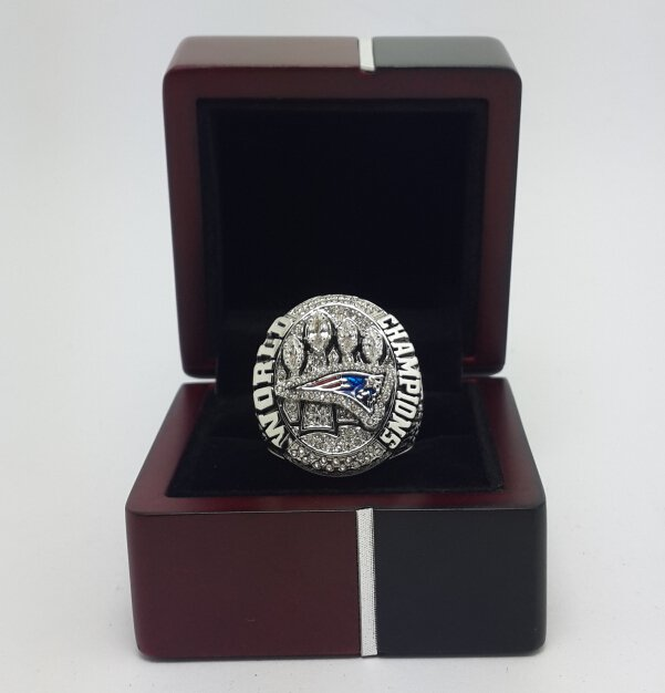 2014 2015 New England Patriots XLIX super bowl championship ring size 8-14 WITH WOODEN BOX