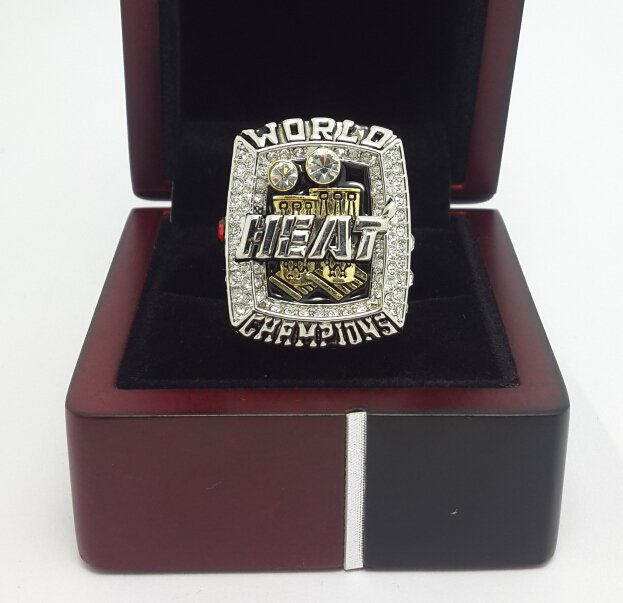 2013 Miami Heat Basketball Championship ring JAMES replica size 10 US with wooden box
